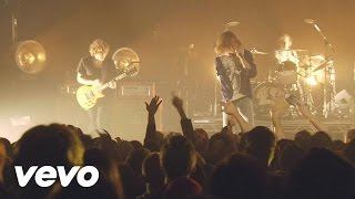 Cage The Elephant - In One Ear (Live From The Vic In Chicago)