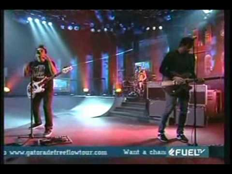 Blink-182 - Feeling This Live Fuel TV