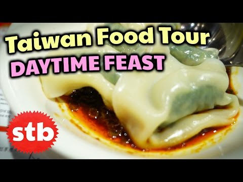 Taiwanese Food in Taipei (Day Tour) // Soy Milk King & Din Tai Fung