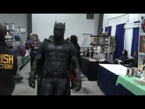 Comic con Ottawa 2019 cosplay batman suit