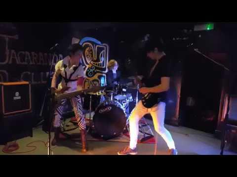 "Idealistics - ""Here Comes The Zebras"" (live at Jacaranda, Liverpool)"