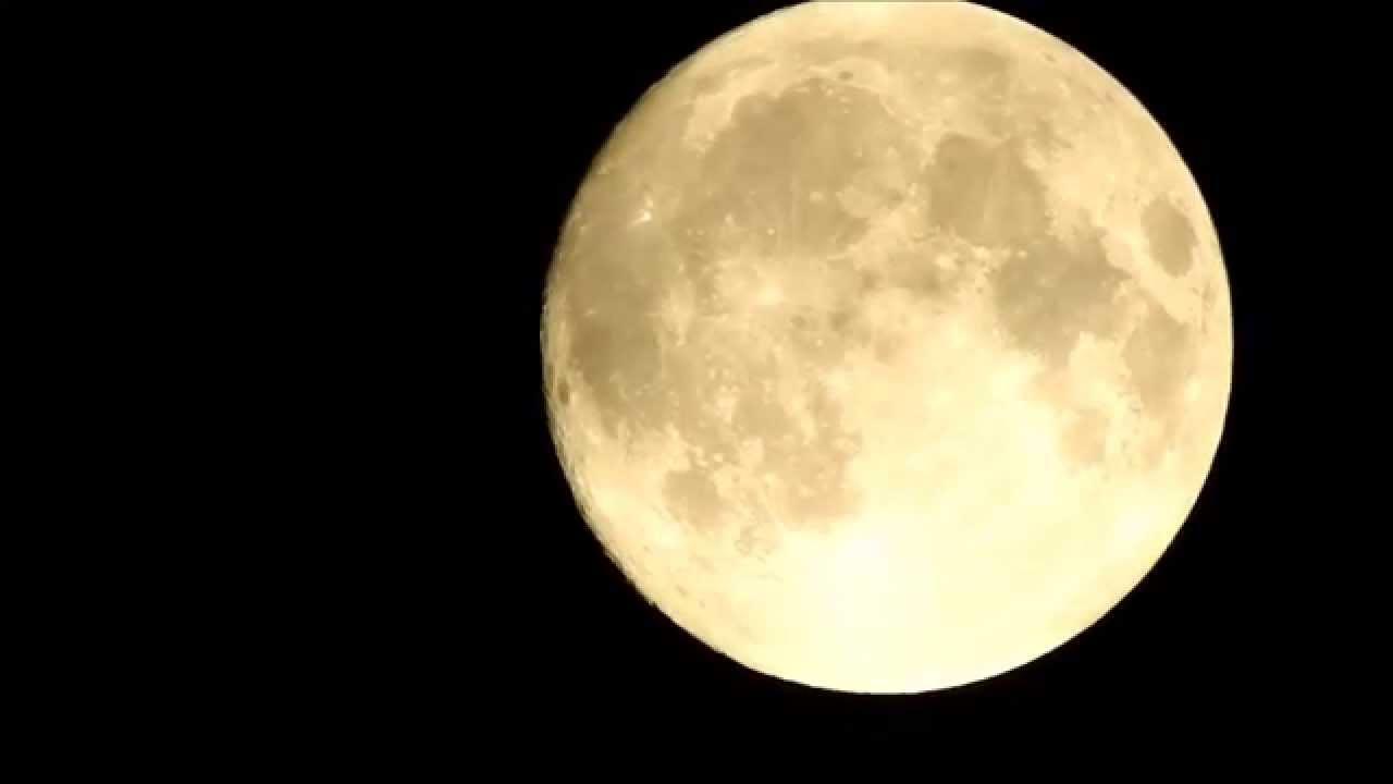 Nikon Coolpix P900 83x zoom test Moon sample clip - YouTube