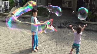 unbelievabubble-giant-bubbles-bola-sabun-super-besar-bubble-thing