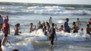 شاطئ الإسكندرية في الصيف