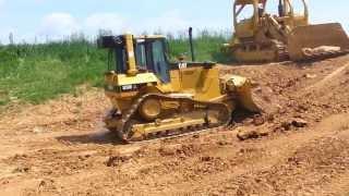 Cat D5M pushing!