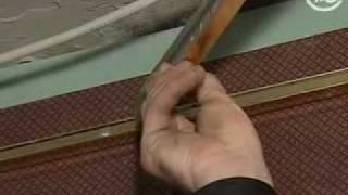 видео Зеркальный натяжной, подвесной потолок в ванной комнате