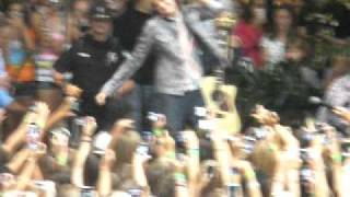 Cody Simpson singing All Day at Crabtree Valley Mall in Raleigh NC