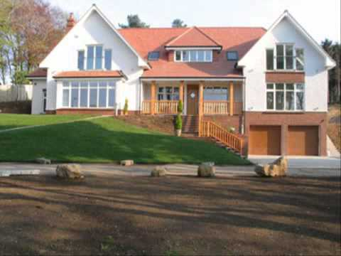 บ้านสวยชั้นเดียวยกพื้น แบบประตูบานเฟี้ยมไม้