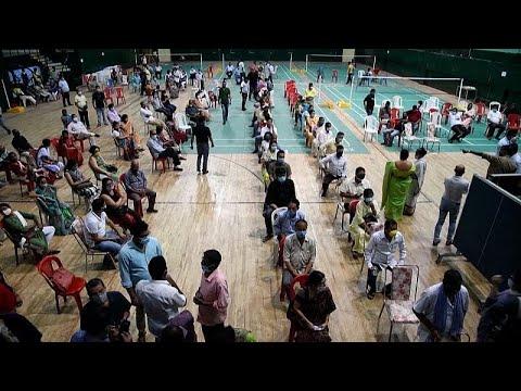 شاهد: الهند تستمر بتلقيح مواطنيها لمواجهة  تسونامي كورونا…  - نشر قبل 3 ساعة