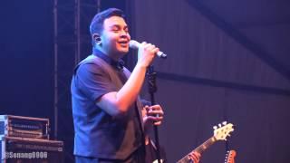 Tulus - Teman Hidup ~ Sewindu @ Synchronize Fest 2016 [HD]