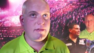 ALMOST the biggest shock in World Champs history.....almost. MvG is safe and into round 2