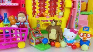 Baby doll and Hello kitty candy shop machine toys Masha and the Bear play - 토이몽