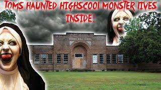 TOMS HAUNTED HIGH SCHOOL // MONSTERS IN THE SCIENCE CLASS!! | MOE SARGI