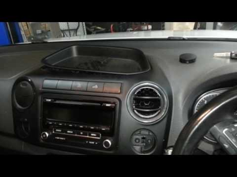 How to remove the radio from a VW Amarok