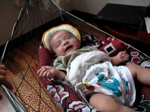 laughing of 4 months baby flying in a hammock  tim  laughing of 4 months baby flying in a hammock  tim    youtube  rh   youtube
