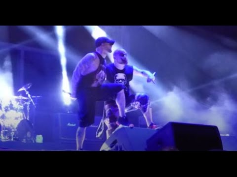 Five Finger Death Punch - Wash It All Away W / Phil Labonte Of All That Remains LIVE [HD] 5/17/17