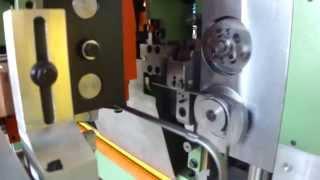 VARO PTE-2D - гибка проволоки плоского сечения(Двухмерная гибочная машина с оснасткой для плоской проволоки. Встроенный узел сварки замкнутых изделий..., 2015-09-11T15:35:34.000Z)