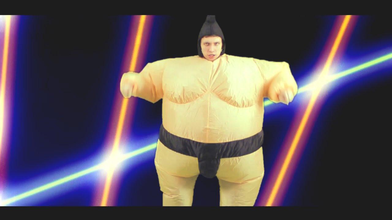 764d4d099988ff Nadmuchiwany Kostium Sumo z TakaPaka - YouTube