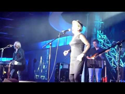 Hazel O'Connor 'Give Me An Inch' 11.10.15
