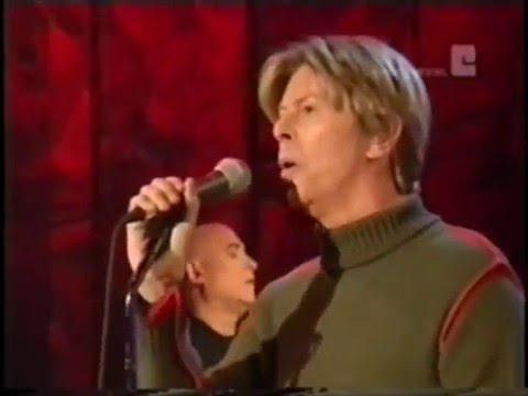 "David Bowie - ""Life on Mars"" (Parkinson Show 2002)"