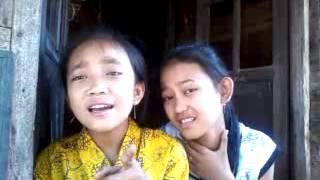 Video Astrid - Mendua Cover By Della Dan Intan download MP3, 3GP, MP4, WEBM, AVI, FLV Januari 2018