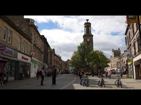 ELGIN TOWN CENTRE - SATURDAY AFTERNOON