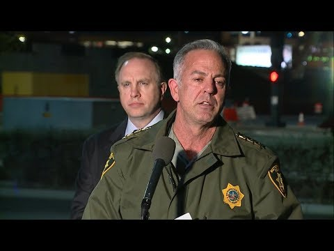 More than 20 dead, 100 injured after Las Vegas shooting: police | ABC News