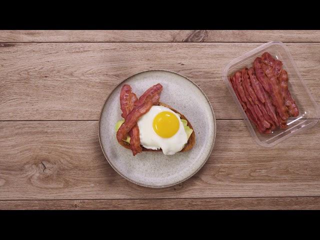 Spejlæg med færdigstegt bacon