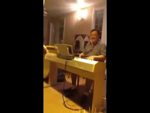 CUANDO INVITAS A TU CASA A RICHIE RAY Y ENCUENTRA UN PIANO - SONIDO BESTIAL