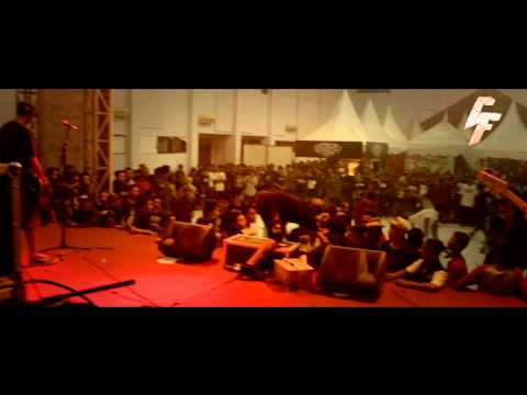 FRAUD - WRONG ROOTS (LIVE) at blitar