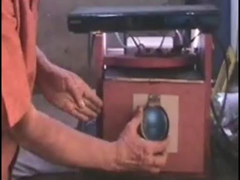 HOW TO MAKE A VIDEO PROJECTOR AT HOME PART-1 ( HD Movie Theater: LED Video Projector )