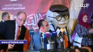 بالفيديو و الصور.. وزير الثقافة يتفقد أجنحة البيع في معرض الكتاب وسط الجماهير