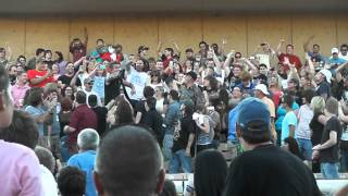 Papa Roach   SINGING IN THE CROWD  LIVE @ Mud Island Carnival of Madness 09 04 2013
