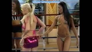Cristina - Ladies mexican wrestling ...sort of (spanish)