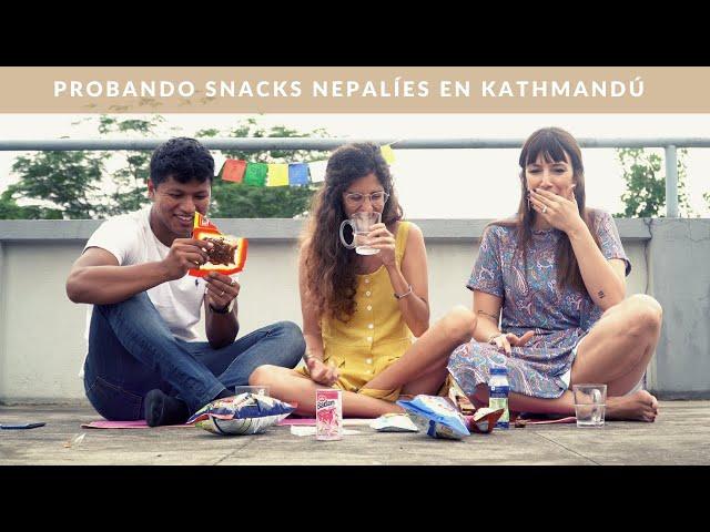 Probando snacks Nepalíes en Kathmandú🇳🇵