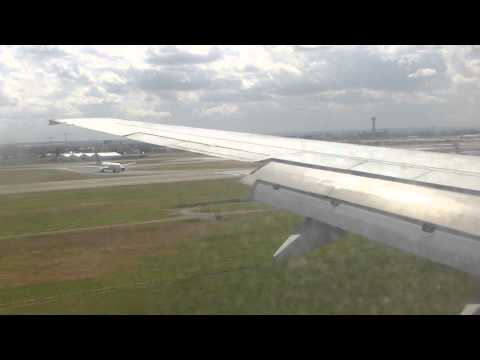 ✈ 737-800 Travel Service landing in Paris Charles de Gaulle Airport