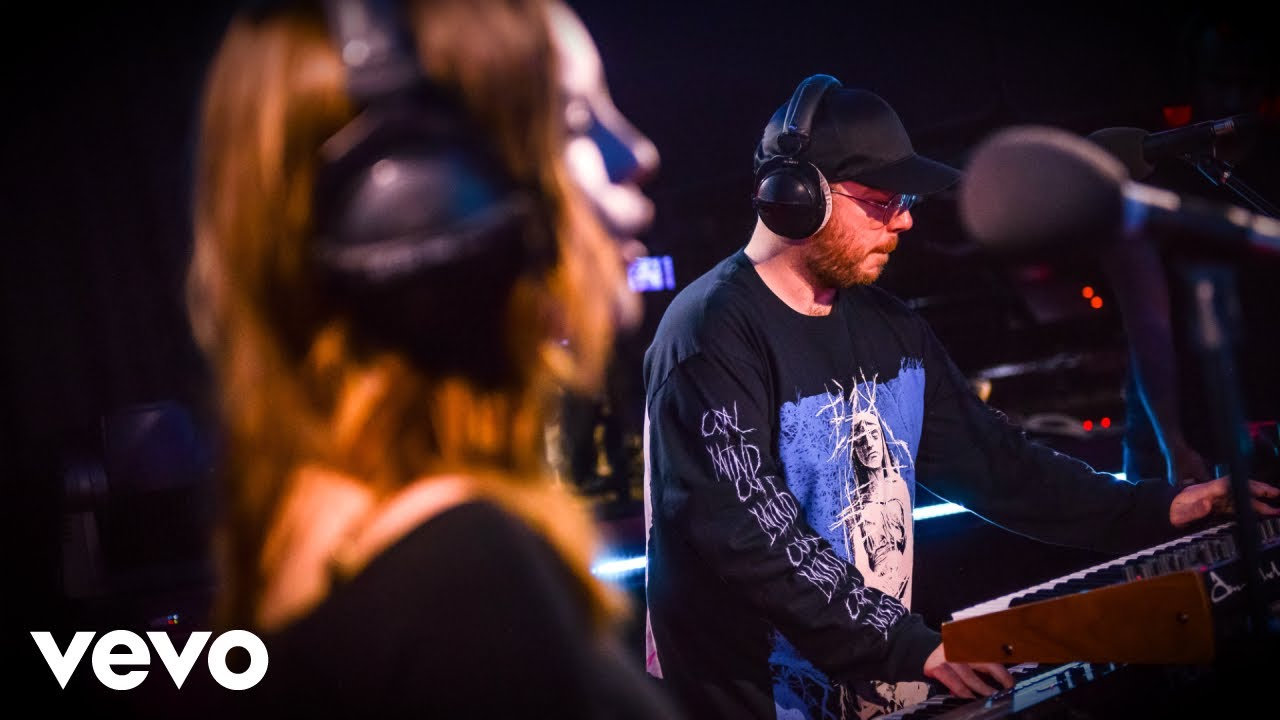 chvrches-somebody-else-the-1975-cover-in-the-live-lounge-bbcradio1vevo
