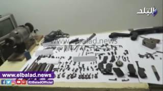ضبط مساعد شرطة بالمعاش أدار ورشة تصنيع أسلحة نارية بقطور.. فيديو وصور