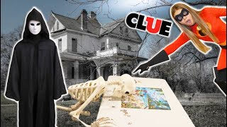 Life-Size CLUE in Haunted House with the Phantom Gamer!!!