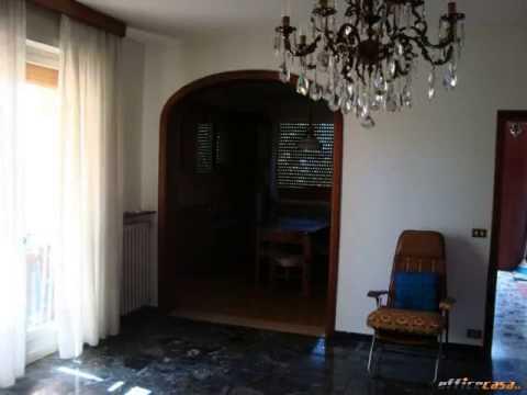Castelnovo ne' Monti: Casa indipendente Oltre 5 locali in Vendita