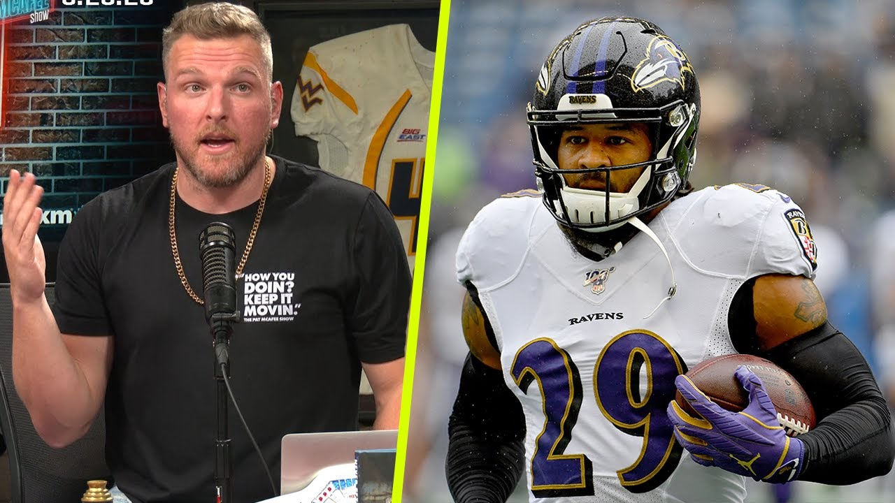 Pat McAfee Talks Why Earl Thomas Hasn't Been Signed Yet