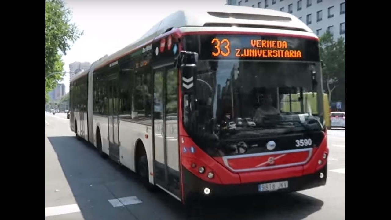 Volvo hybrid articulated bus, in Barcelona - YouTube