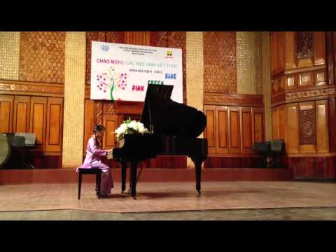 Minh Anh thi tot nghiep piano cap do Green 4/5/2013