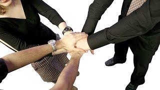 Почему ИП пользуются неактуальными бланками, как оформить ТТН и как реорганизоваться в ООО