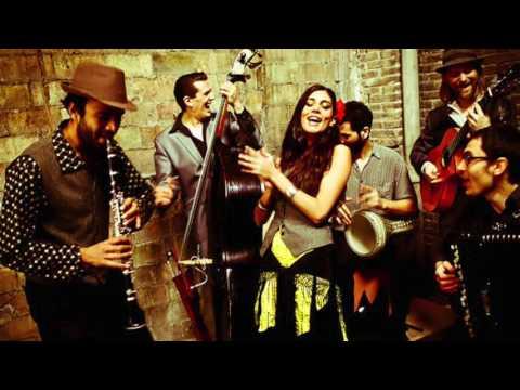 Djelem, djelem by Barcelona Gipsy Klezmer Orchestra (Alt cut)