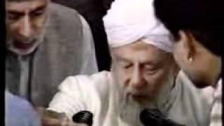 Bait on the Hands of Khalifa E Waqt of Ahmadiyya Jamaat ?{Urdu Language}
