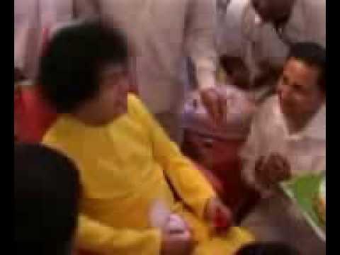 Bhagwan Sri Sathya Sai Baba- Tere aane ki jab khabar