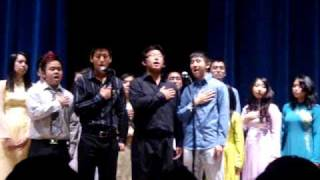 UC Davis Vietnamese Student Association Culture Show 2010: National Anthem Acapella
