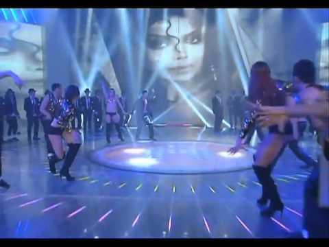 La Toya Jackson performs