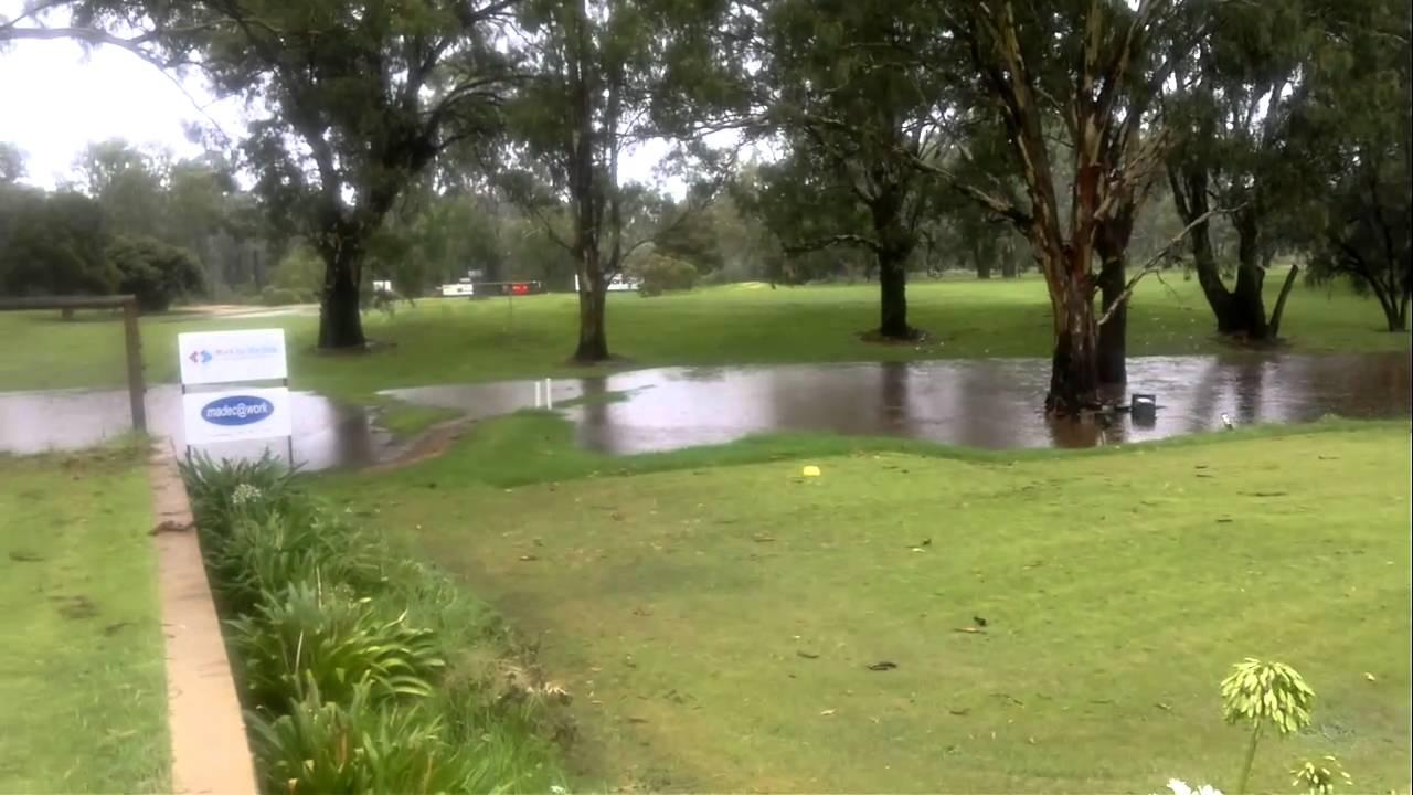 Mildura Rains Feb 2011 - Riverside Golf Club - YouTube
